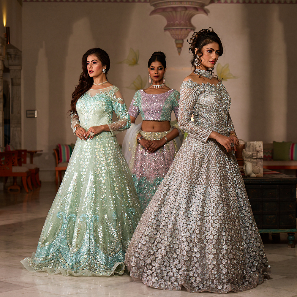How To Buy Indian Wedding Dresses Online Tips Benefits For The Brides Wedding Dresses For Women Shayona Store